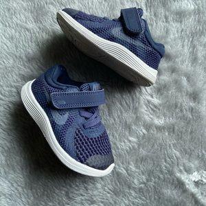 Nike | Toddler navy shoes sz5c